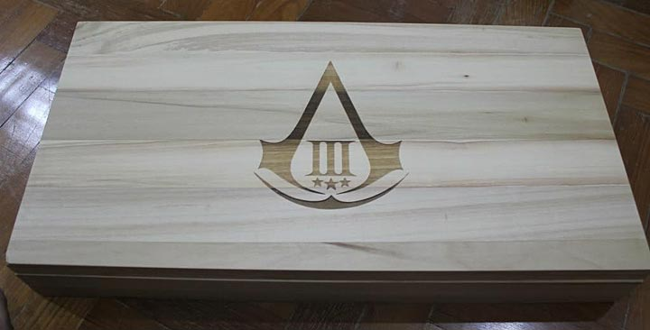Assassin's Creed (Multi) 2007 Replica-UbiArts-ConnorsTomahawk(gift)-01