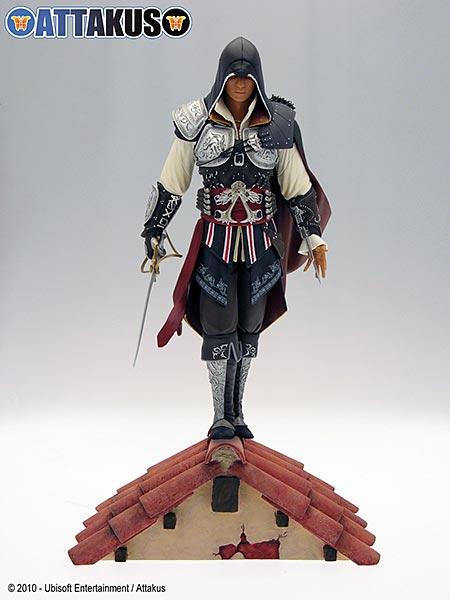 Assassin's Creed (Multi) 2007 Statue-Attakus-EzioMasterPVC-01